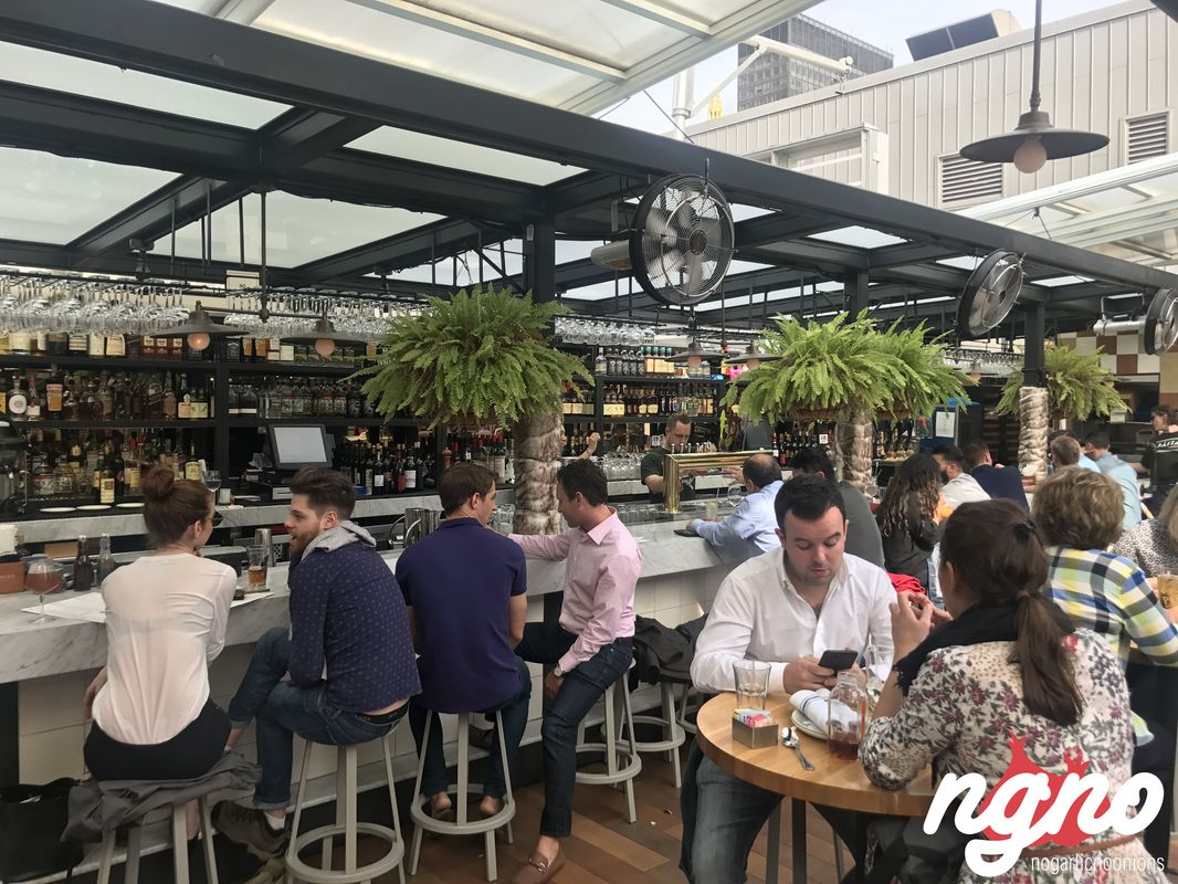 Baita on the roof eataly 39 s pop up terrace restaurant for 211 roof terrace cafe