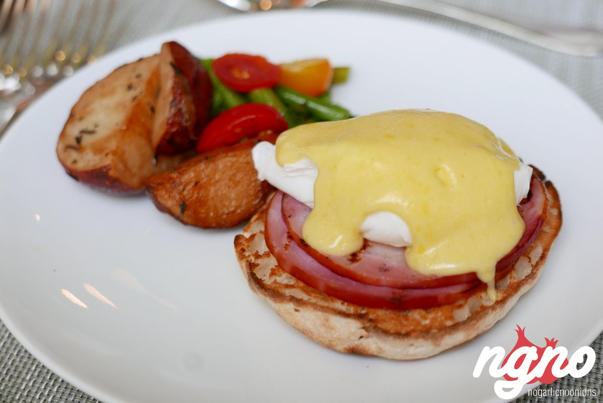 four-seasons-hotel-breakfast-new-york142017-04-20-01-22-46