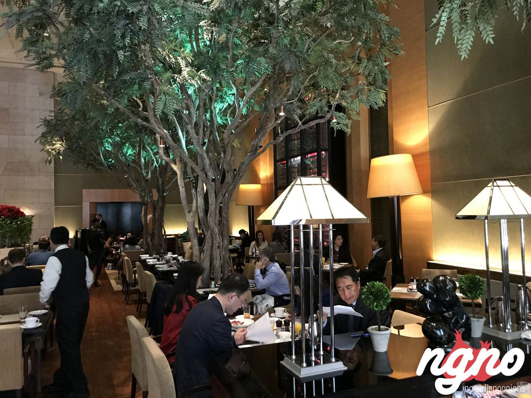 four-seasons-hotel-breakfast-new-york372017-04-20-01-22-58
