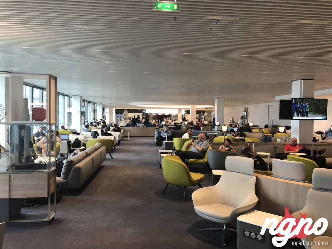business-lounge-paris-nogarlicnoonions-622018-06-13-12-59-05