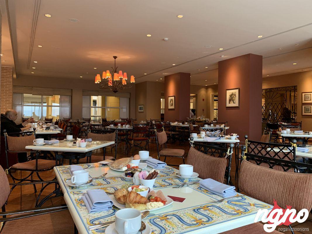 movenpick-beirut-hotel-breakfast-restaurant-nogarlicnoonions-662018-12-15-08-04-46