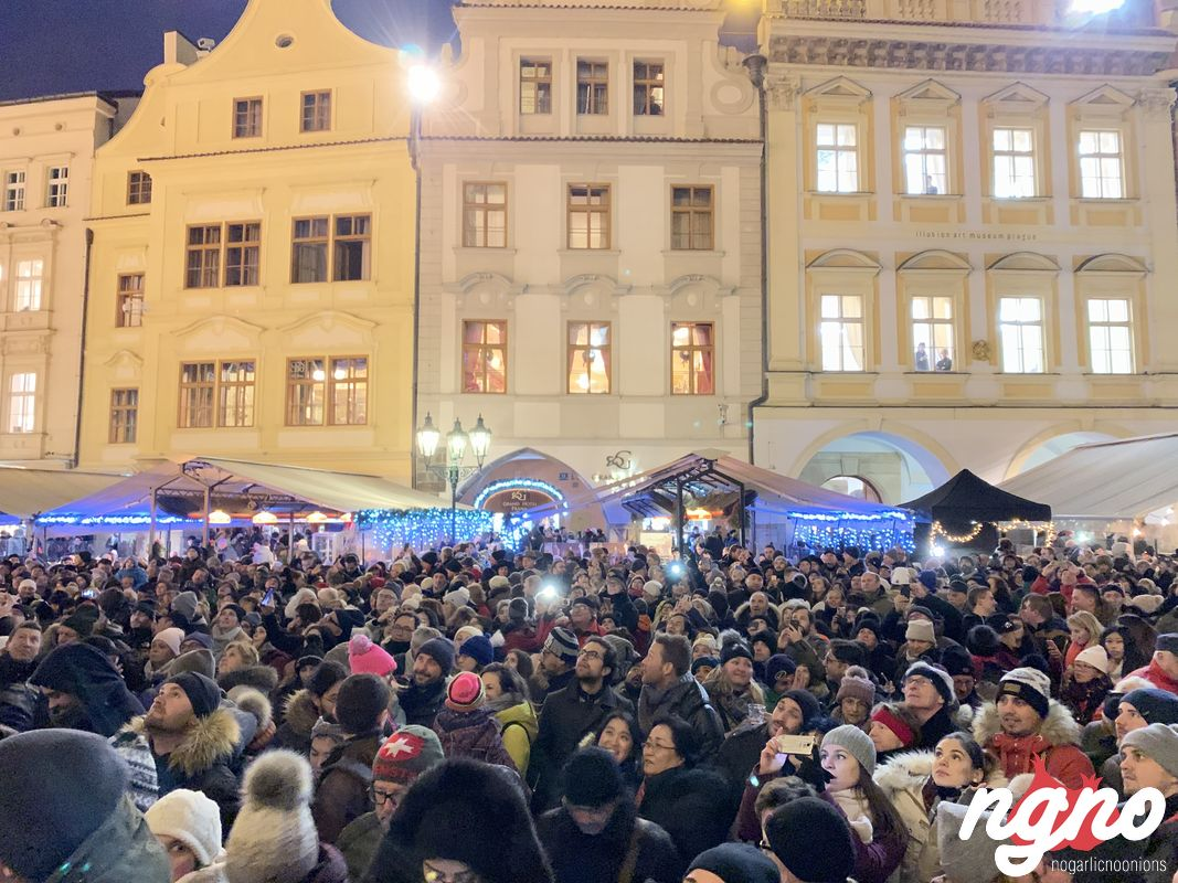 christmas-market-prague-nogarlicnoonions-152019-01-20-05-17-02