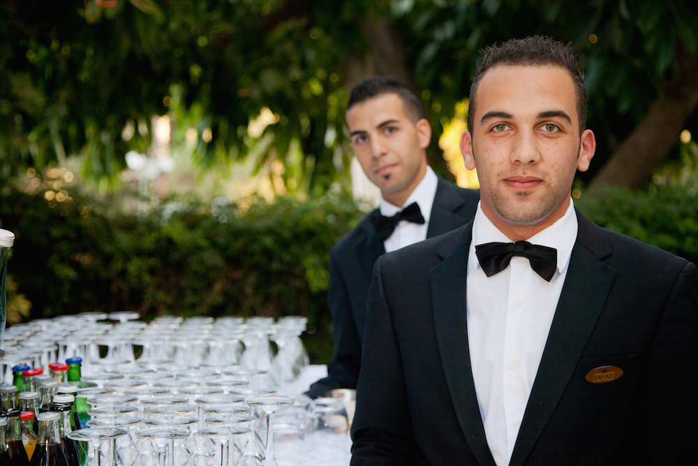 Unprofessional Waiters of the Arab World: A Pity