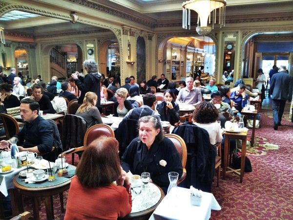 Angelina tea room rue de rivoli nogarlicnoonions restaurant food and travel stories - Salon de the rue de rivoli ...