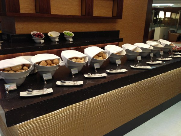 Emirates_Airlines_Business_Lounge_Dubai43