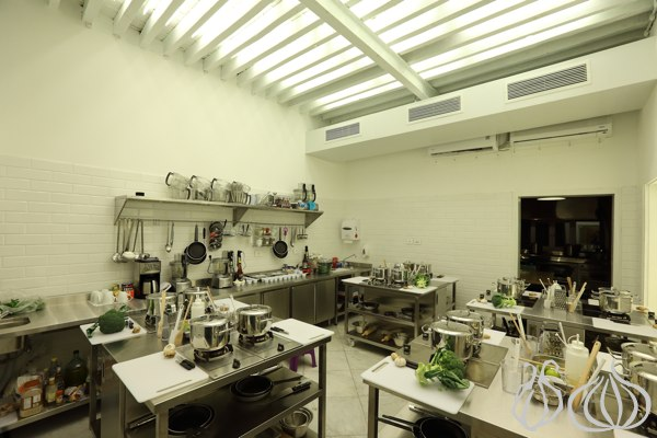 Kitchen Lab kitchenlab: cook and eat in a pleasant ambiance