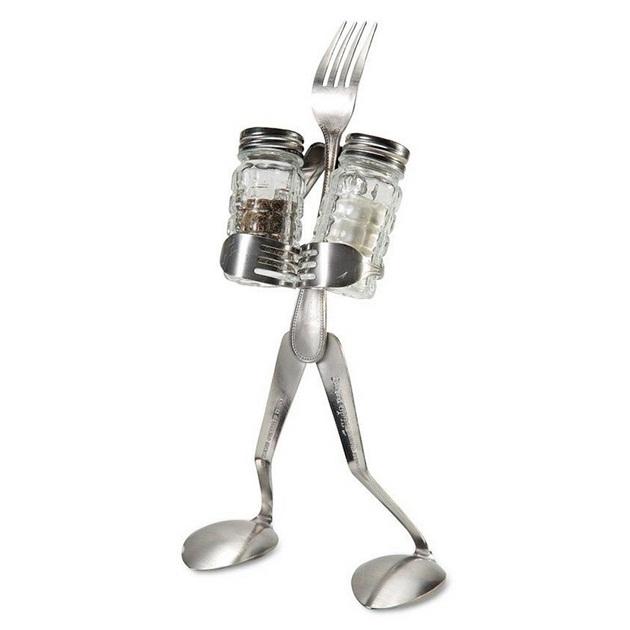 Salt-and-Pepper-Man-Stand