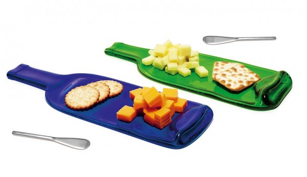 Wine-bottle-platters-for-cheese-and-cracker-platters-600x346
