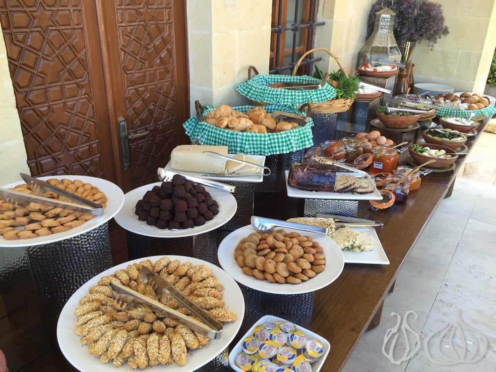 mir-amin-palace-hotel-beiteddine-breakfast382015-08-03-11-03-21