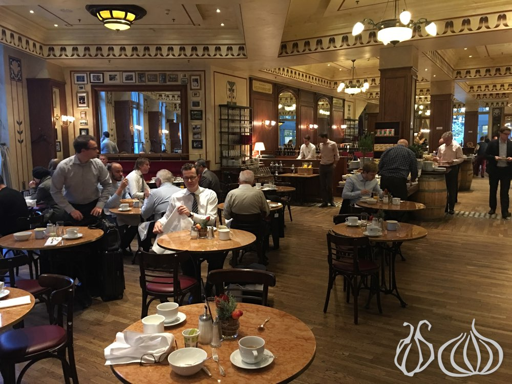 ritz-carlton-berlin-breakfast12015-12-26-12-12-16