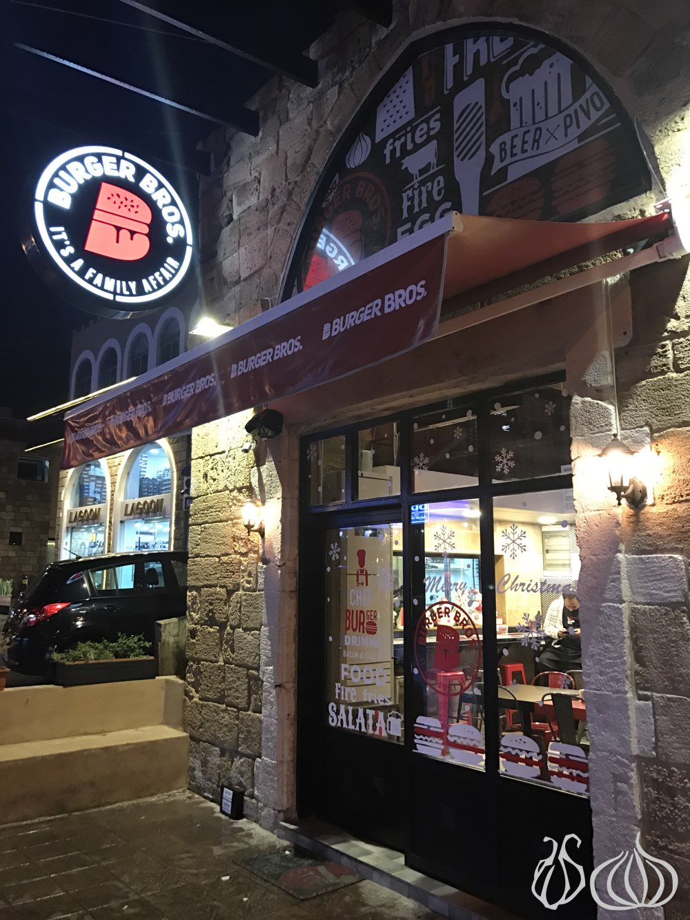 burger-bros-jbeil12016-12-14-08-07-04