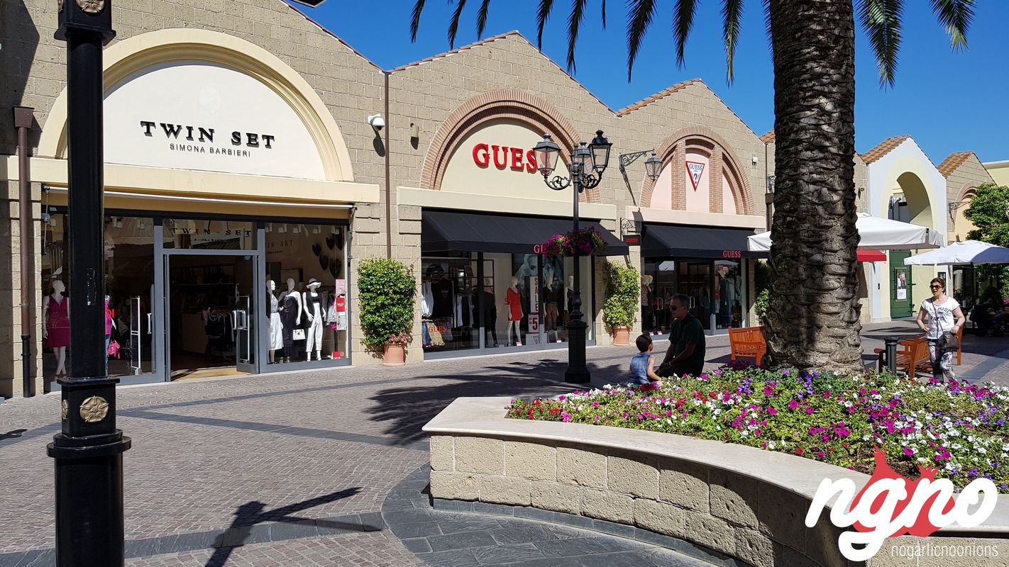 Shopping in rome castel romano designer outlet for Outlet design