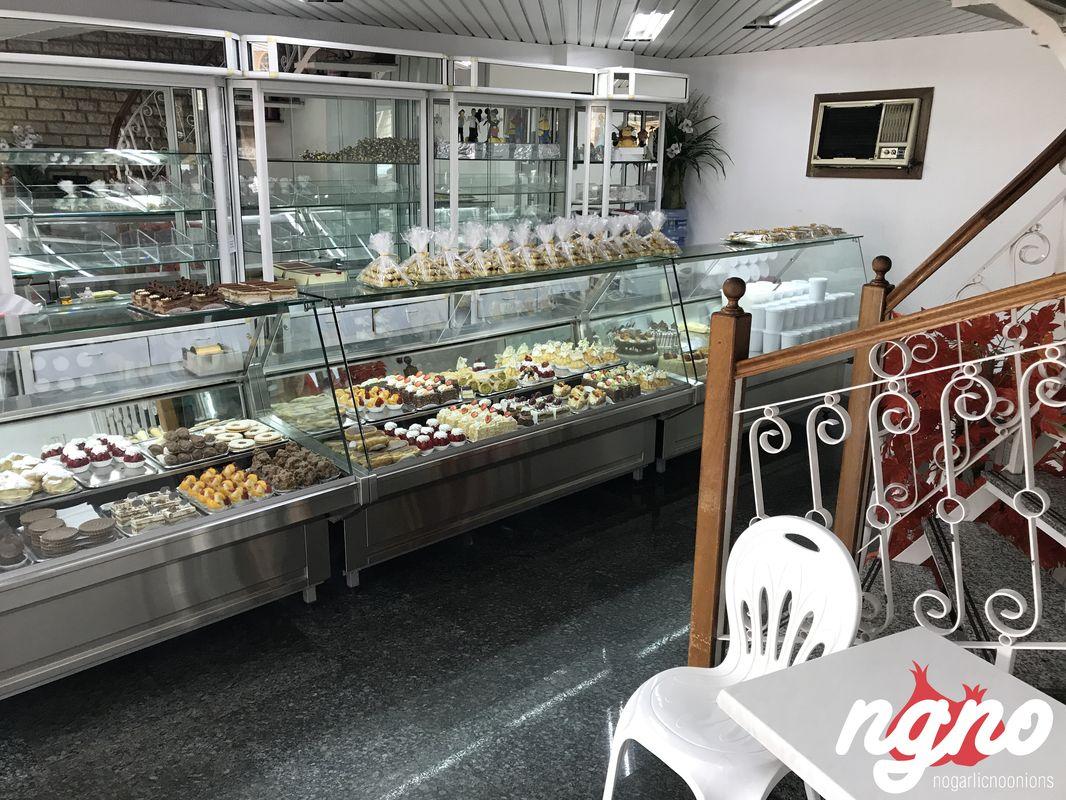 Patisserie Chidiac: The Best Karabeej in Lebanon :: NoGarlicNoOnions