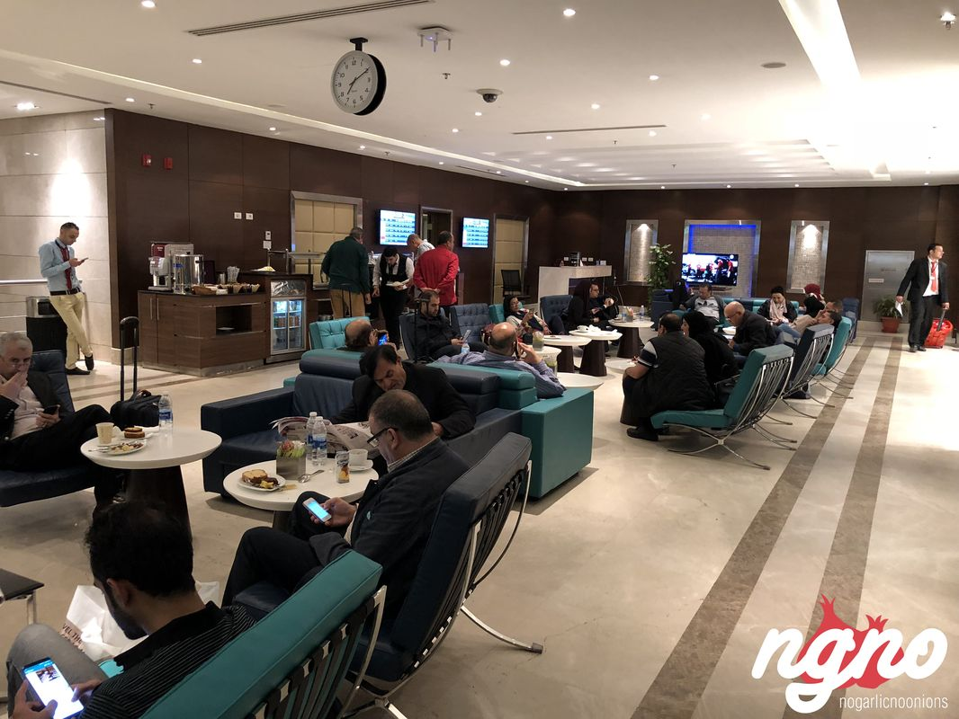 cairo-airport-lounge162018-03-20-07-39-13