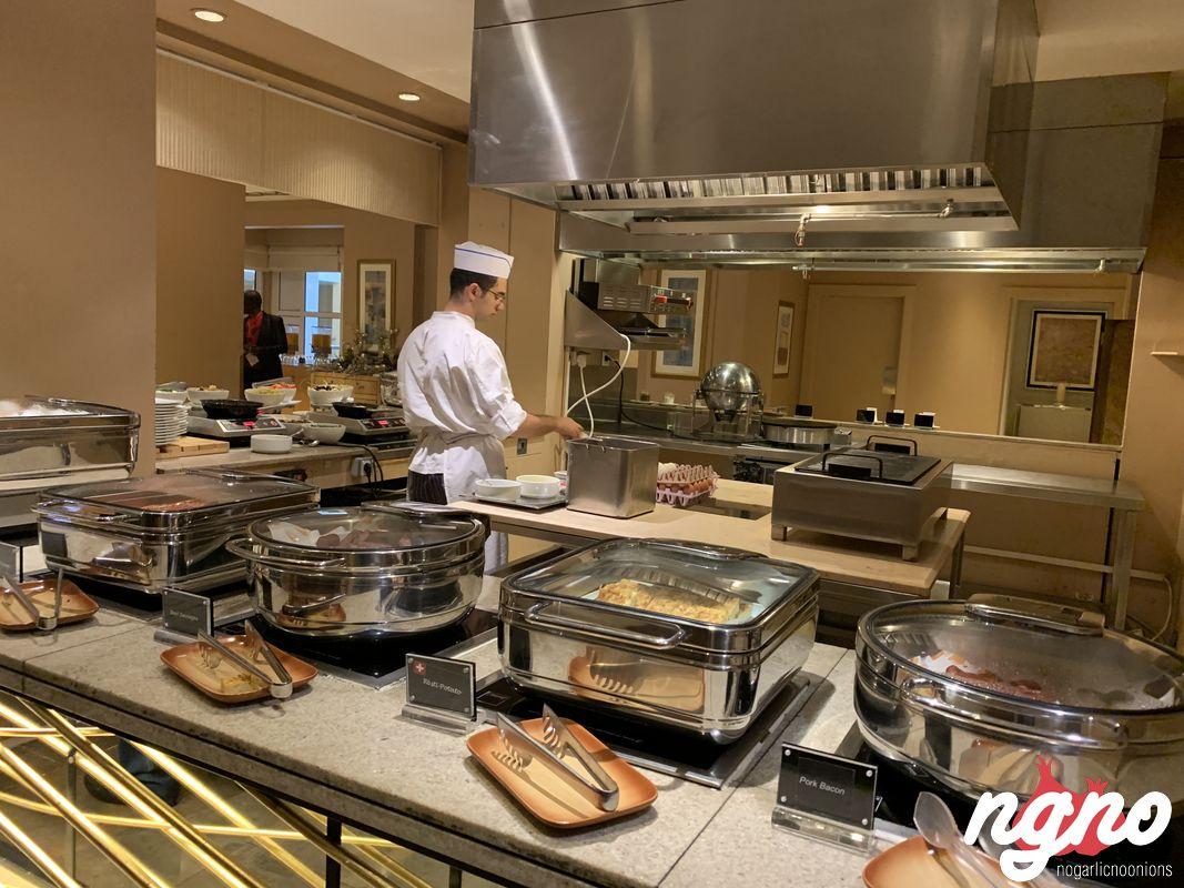movenpick-beirut-hotel-breakfast-restaurant-nogarlicnoonions-392018-12-15-08-04-32