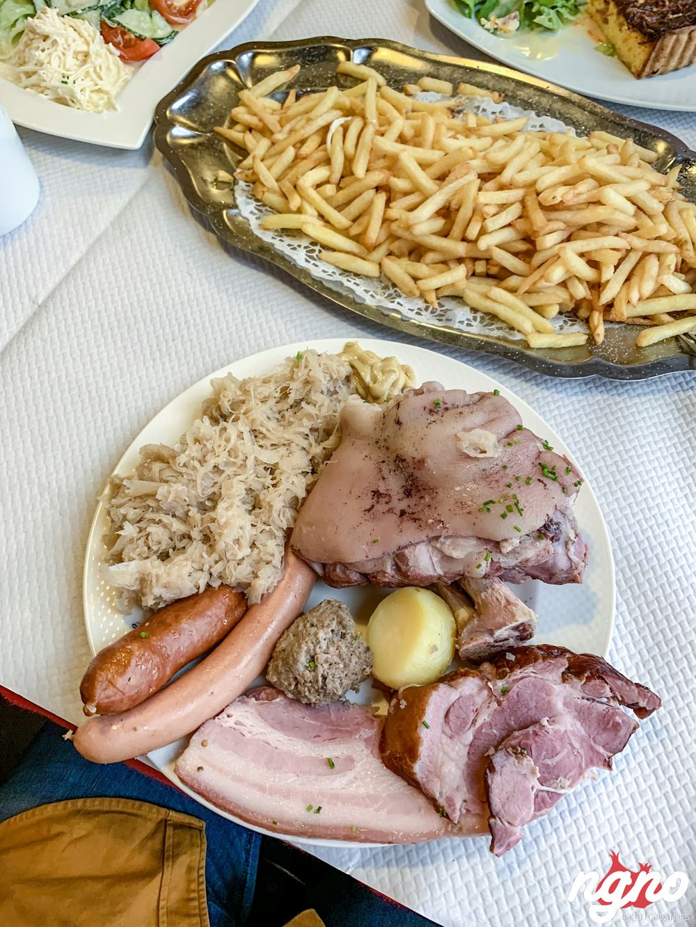 winstub-la-dime-colmar-french-choucroute-nogarlicnoonions-42018-12-17-08-11-40