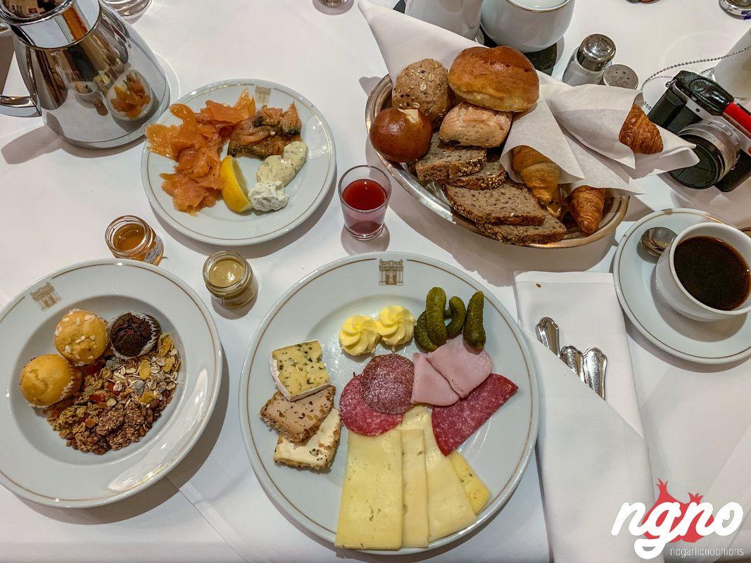 kempinski-dresden-breakfast-nogarlicnoonions-232019-01-20-04-30-45