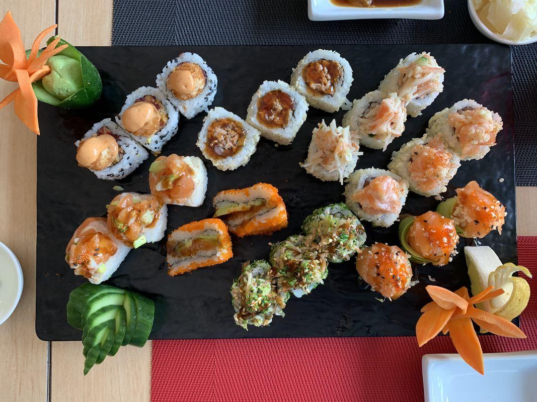 sushi-circle-achrafieh-beirut-nogarlicnoonions-222019-05-08-07-43-21