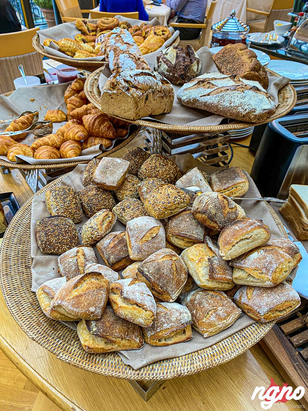 montreux-palace-fairmont-hotel-breakfast-nogarlicnoonions-632019-11-22-02-42-52