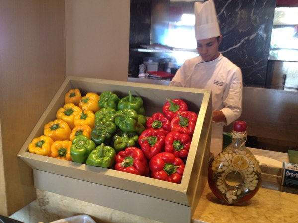 Cafe Mondo at the Phoenicia InterContinental, Beirut