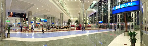 Emirates_Airlines_Dubai_Airport96