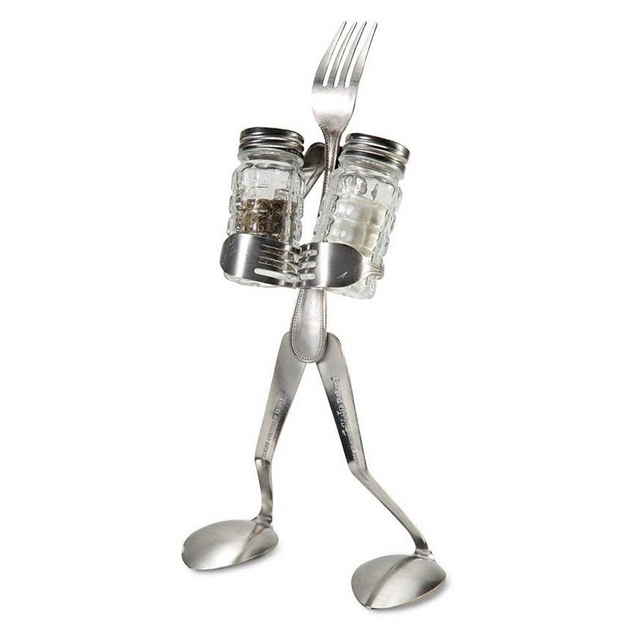 Salt-and-Pepper-Man-Stand