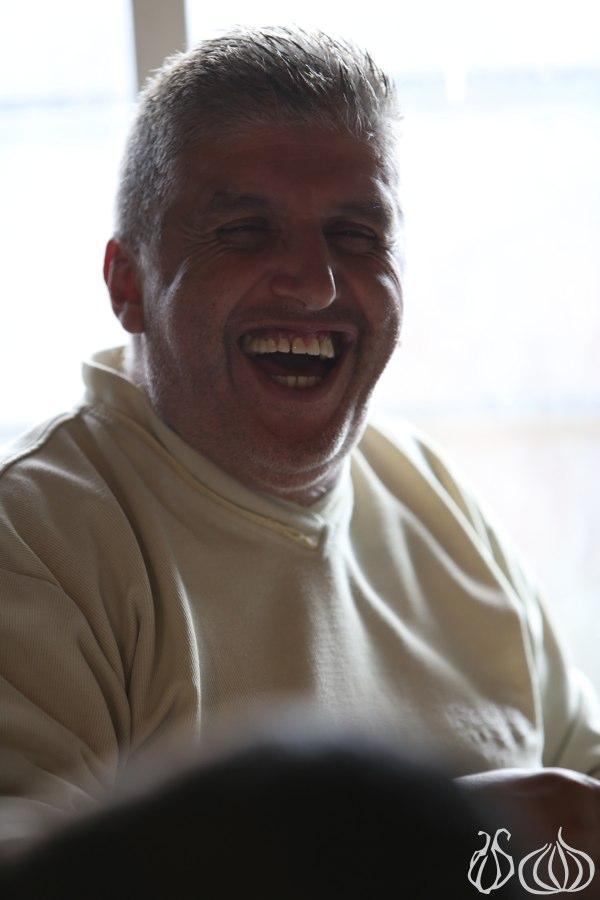 Meet Afif: Ambaratouriyet el Lahme Beajin, Hrajel