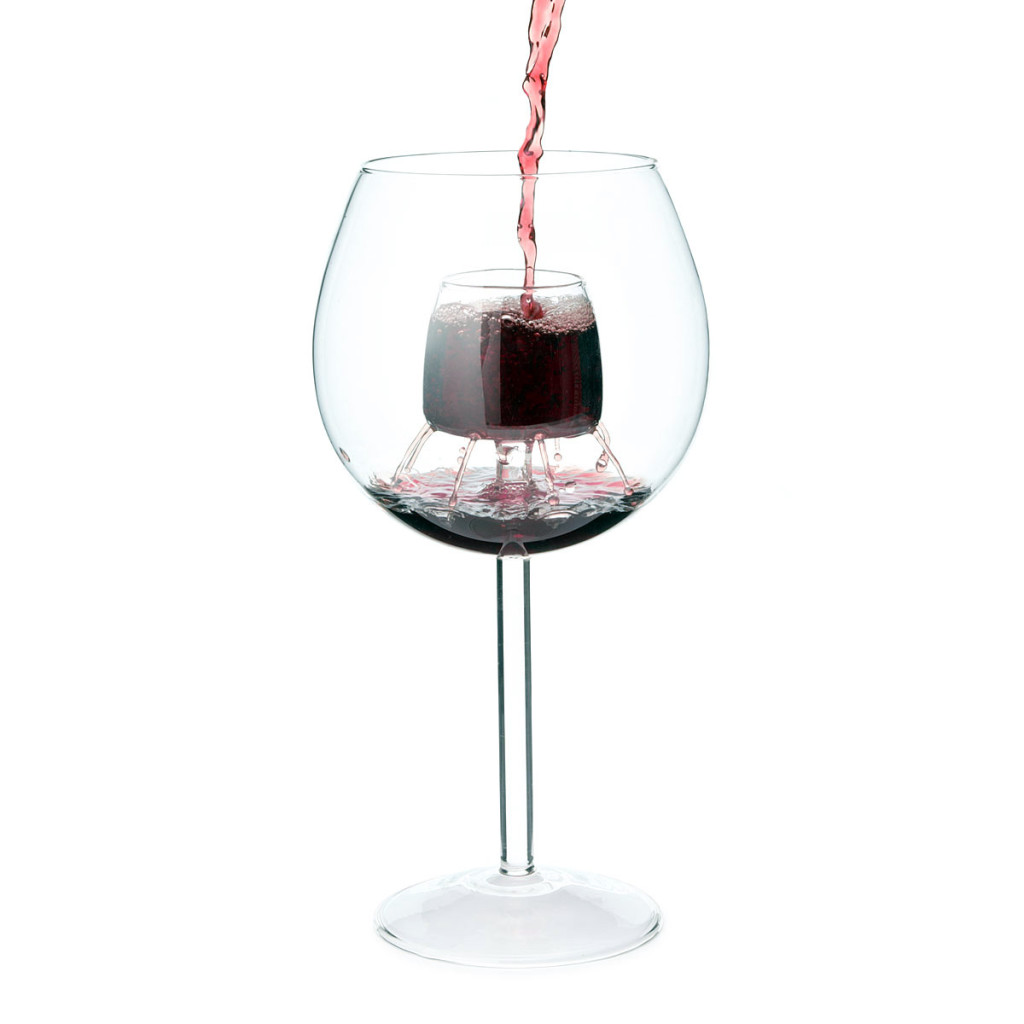 fountain-aerating-wine-glasses-2