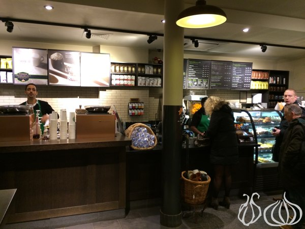 Starbucks_Coffee_Paris02