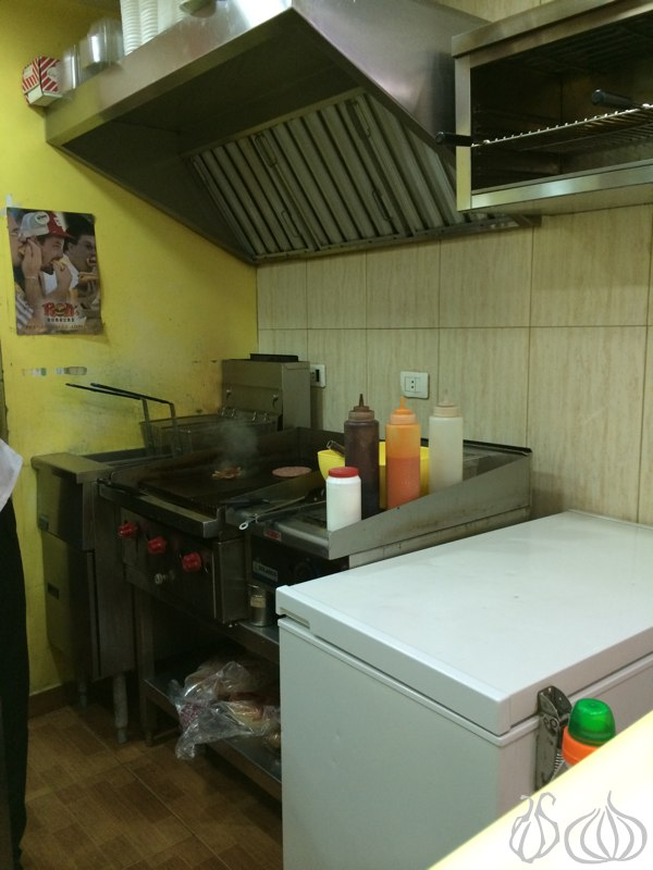 Rod's_Burger_Gemmayze_Beirut_Street_Food04