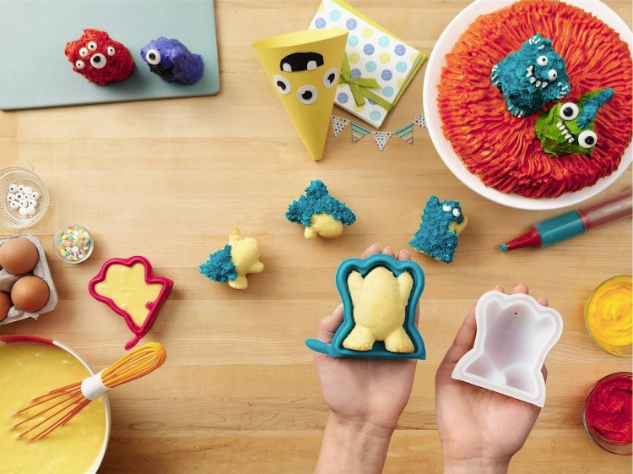 Chefn-Cake-Creature-and-Pastry-Pen-3-D-Cake-Shape-Baking-Set_